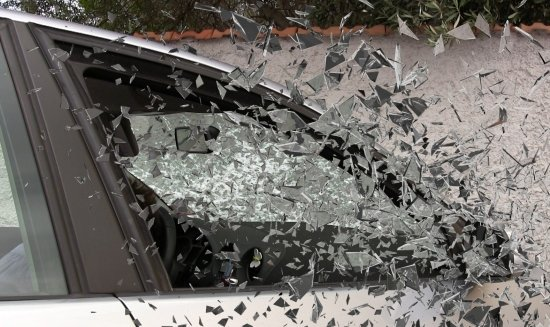 bocne a zadne sklo auta